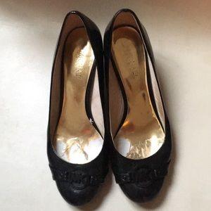 MK black shoe